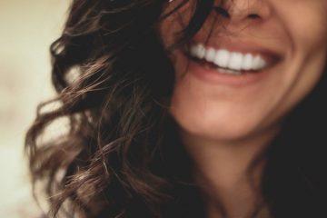 Smil til verden efter en tandblegning